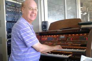 Cubs organist Gary Pressy says he is happy he made the decision to retire after this season, his 33rd as the Chicago Cubs' organist at Wrigley Field.