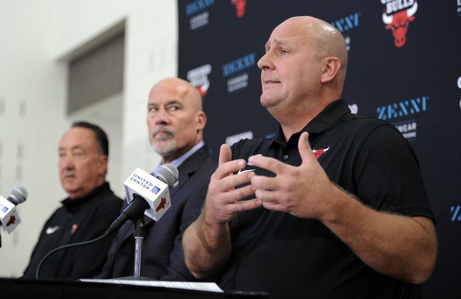 Mark Welsh/mwelsh@dailyherald.comChicago Bulls' head coach Jim Boylen talks passionately about the upcoming season with all the new blood on the team as Executive Vice President of Basketball Operations John Paxson looks on  at the Chicago Bulls media day in Chicago.