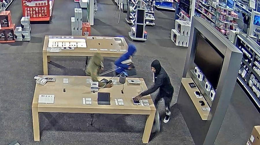 Gurnee police are looking for three suspects who smashed their way into an electronics store Monday night and stole several computers and cellphones.