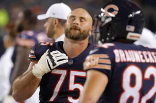 Chicago Bears offensive guard Kyle Long closes his eyes after the Bears 10-3 loss to the Green Bay Packers Thursday, September 5, 2019 at Soldier Field in Chicago.