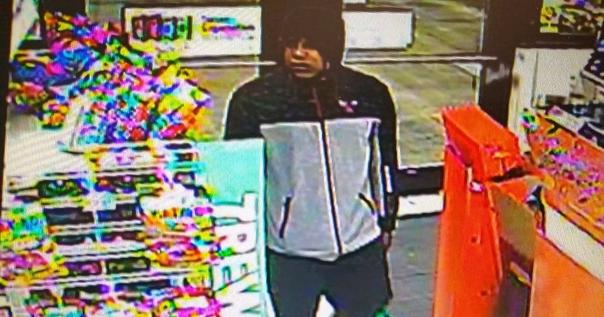 Suspects sought in Beach Park armed robbery