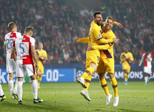 Messi Leads Barcelona To 2 1 Win Vs Slavia Prague
