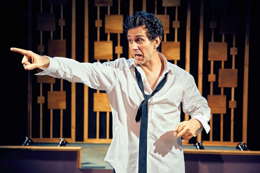 "Writer/actor Ronnie Marmo channels seminal standup Lenny Bruce in his solo show ""I'm Not a Comedian ... I'm Lenny Bruce"" at the Royal George Cabaret Theatre."