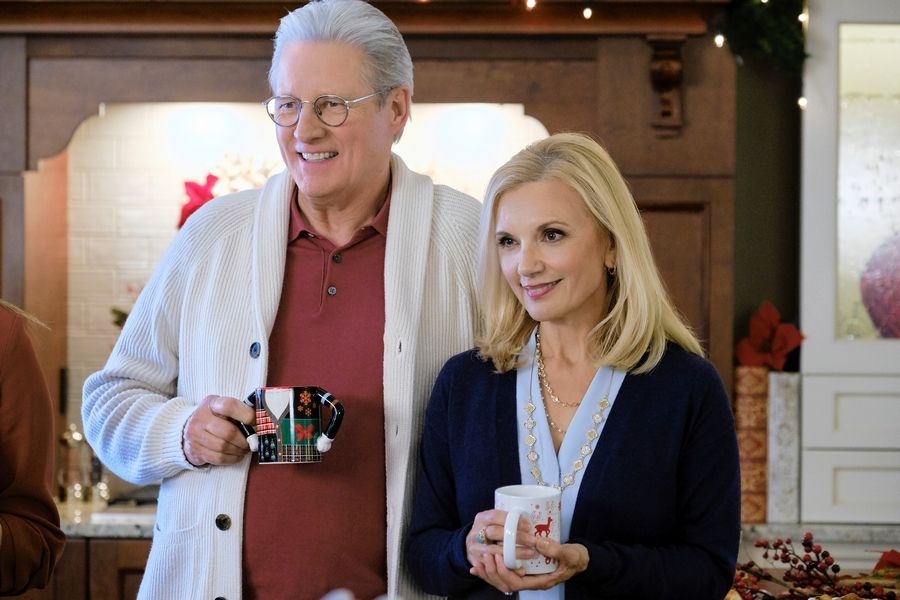 "Bruce Boxleitner stars with Teryl Rothery in Hallmark's ""Holiday Date,"" premiering Dec. 14."