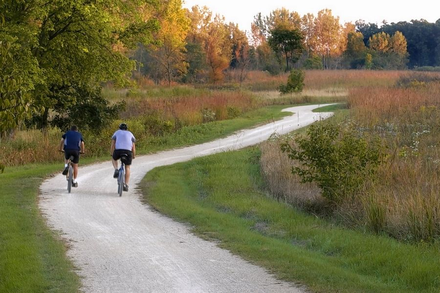 The Des Plaines River Trail spans nearly the entire length of Lake County for 31.4 miles as it winds through 12 preserves.