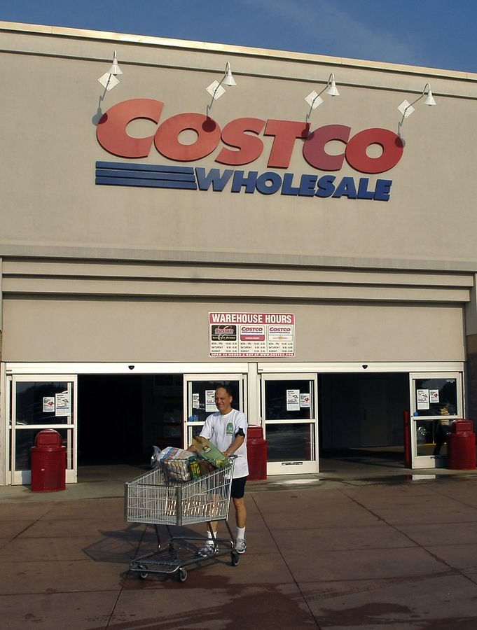 Fake claims that Costco is giving away $75 coupons are probably aimed at getting access to your contacts and social media friends, an identity theft expert says.