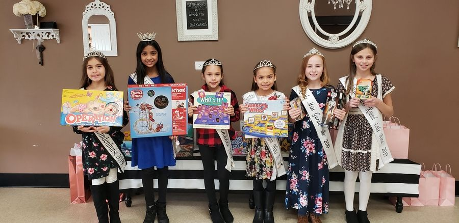 Lake County Little Misses collected toy donations for Aprendiend Jugango as part of a charity event organized by Little Miss Vernon Hills 2019 Jasmine Wascow, third from right.