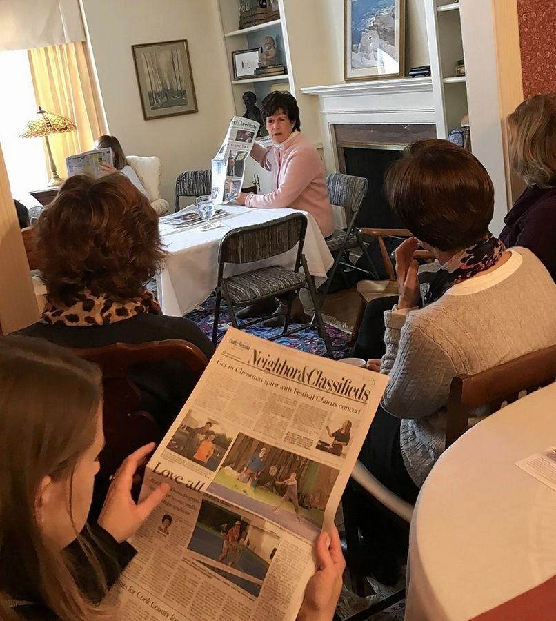 Daily Herald columnist Eileen O. Daday spoke at a recent meeting of the Arlington Heights PEO chapter.