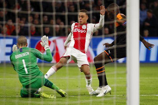 American Defender Dest Scores First 2 Pro Goals For Ajax