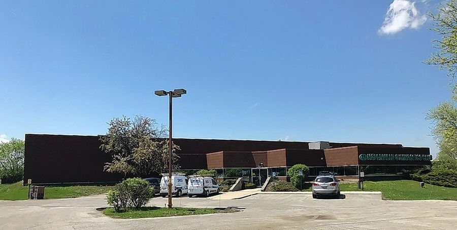 Cawley Chicago recently arranged the sale of a 34,984 square foot warehouse at 800 Enterprise Court in Naperville.