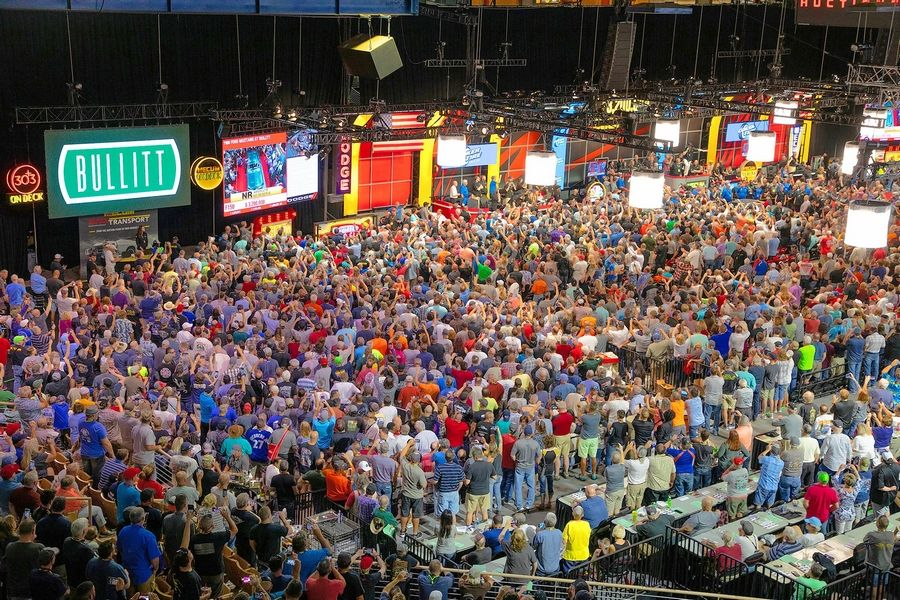 The Kissimmee, Florida, auction crowd.
