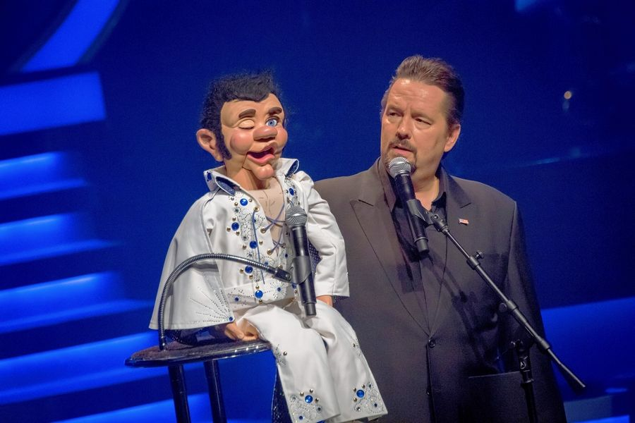 Comic ventriloquist Terry Fator tours to Waukegan's Genesee Theatre and Aurora's Paramount Theatre this weekend.