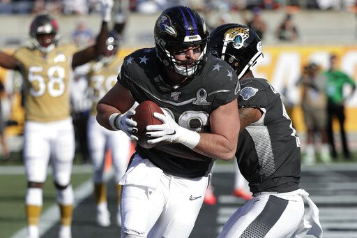 AFC tight end Mark Andrews, of the Baltimore Ravens, (89) scores a touchdown, during the first half of the NFL Pro Bowl football game against the NFC, Sunday, Jan. 26, 2020, in Orlando, Fla.