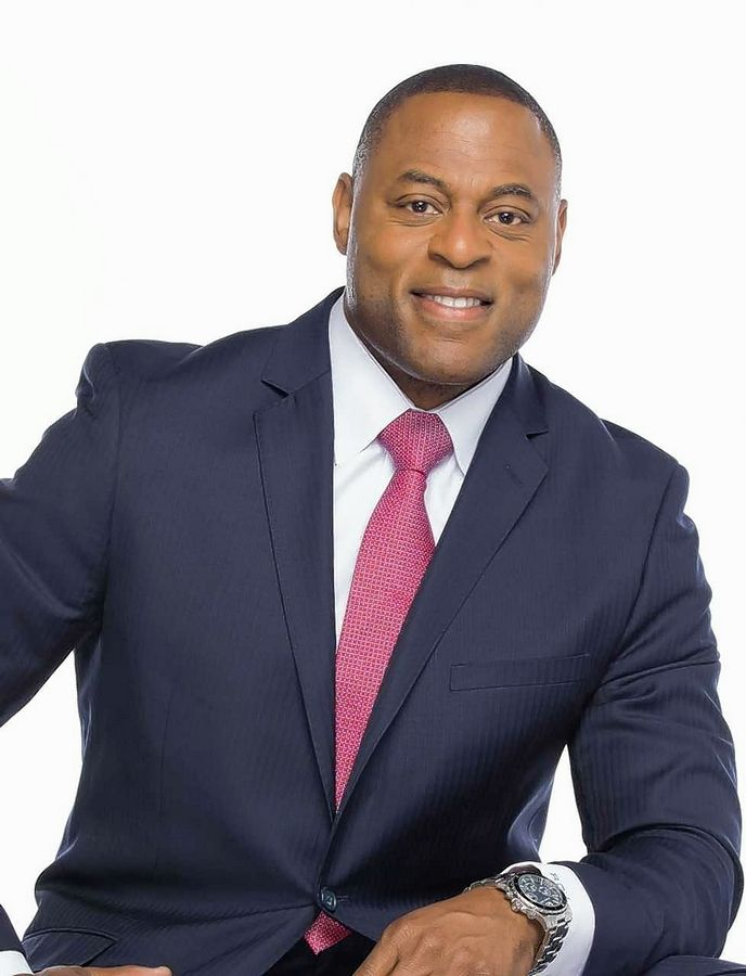 Motivational speaker and former NFL linebacker Robert Jackson will speak at Larkin High School on Feb. 24 as part of U-46's Black History Month celebration.