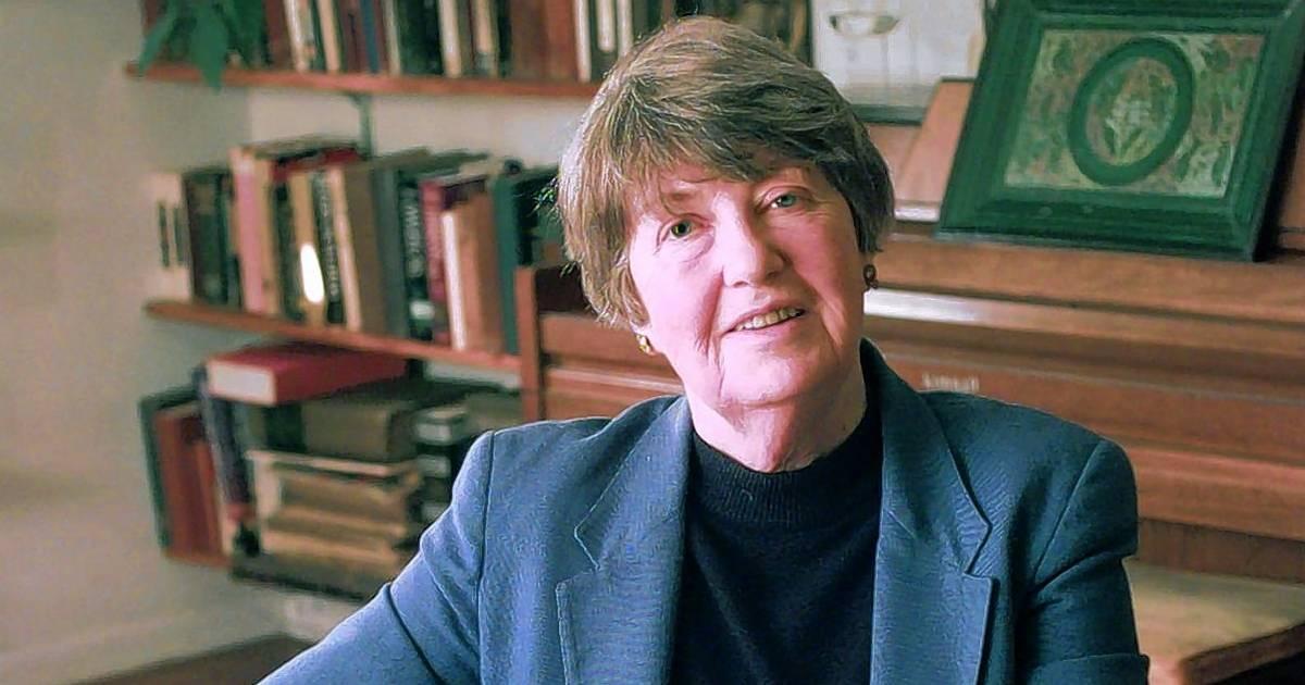 Pulitzer Prize-winning poet Lisel Mueller, who wrote from Lake County, dies