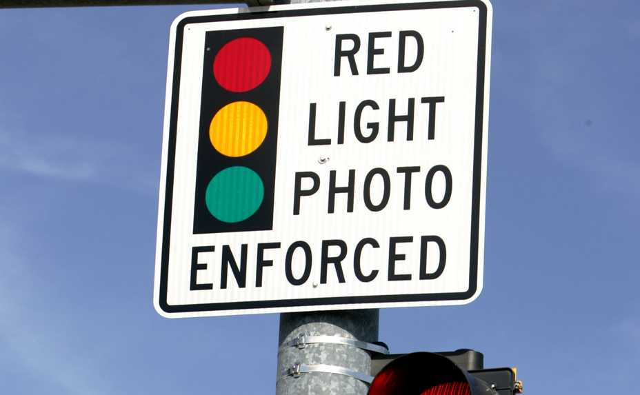 Could red-light cameras be an endangered species? A bill to prohibit them in non-home-rule towns passed the Illinois House.