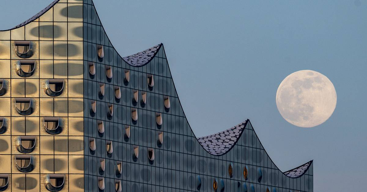 Gallery: Supermoon pictures from around the world