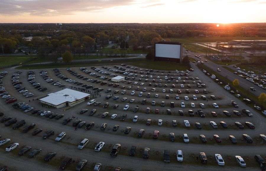 Night Out At The Movies Mchenry Drive In Delivers Double Bill With Pandemic Precautions