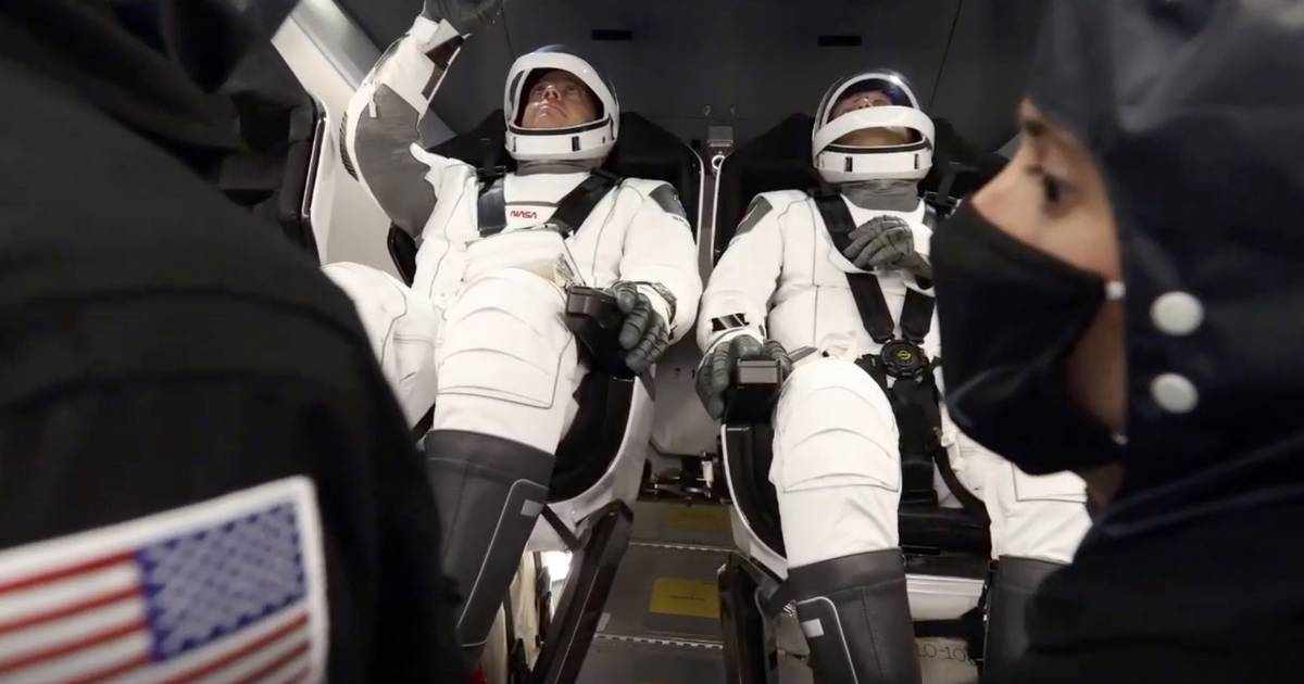 Howard Hughes Medical Institute  s Department: 2 U.S. astronauts board SpaceX rocket for...