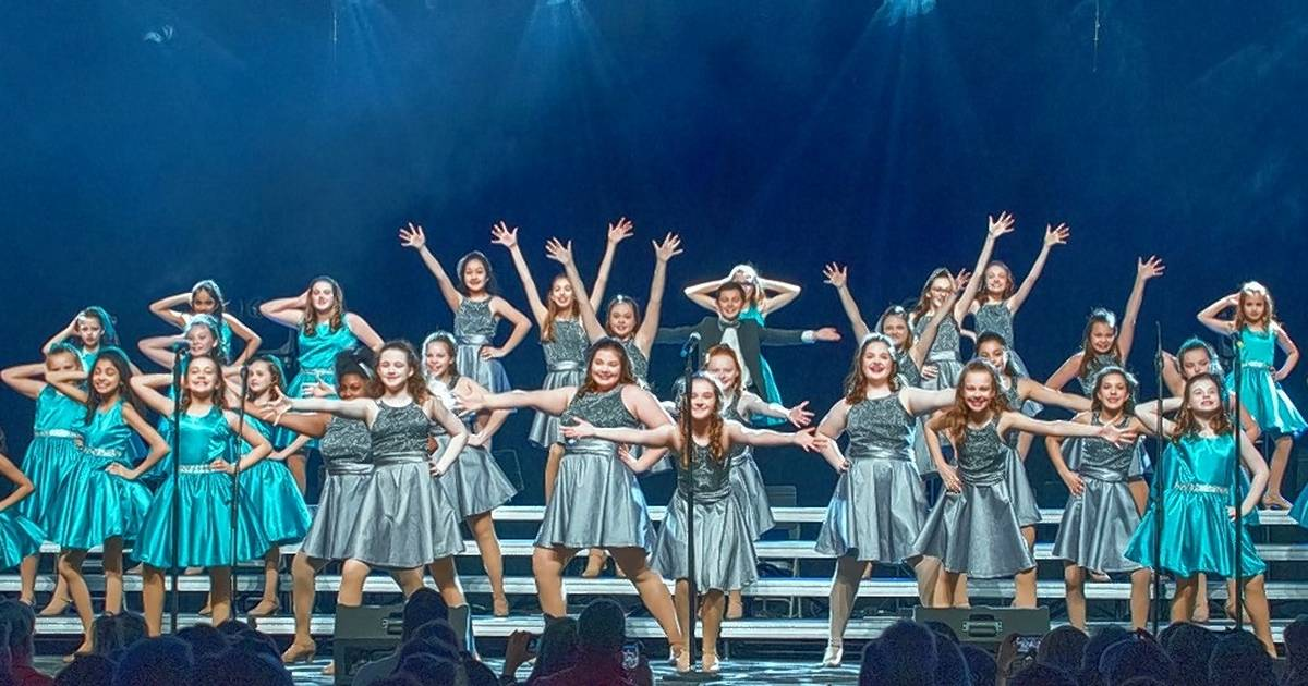New Naperville choir charity takes `Road Show` to...