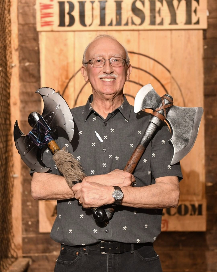 Scott came to Bullseye Axe Throwing Lounge in South Barrington, ILBullseye Axe Throwing Lounge photographer