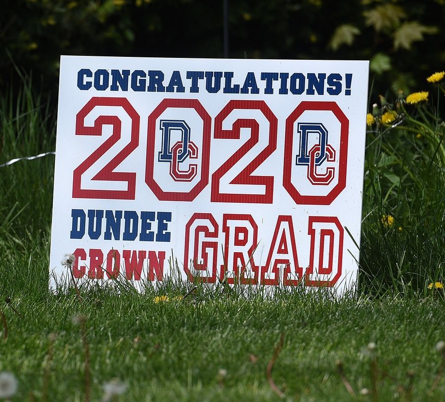 Dundee-Crown High School 2020 graduate sign.