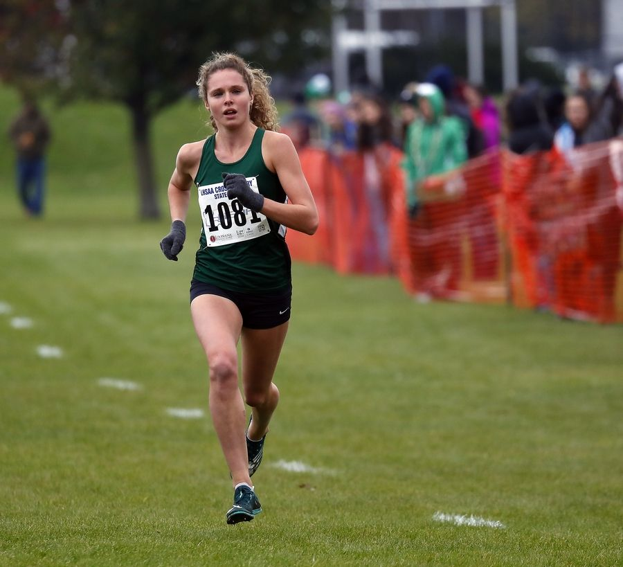 Glenbard West's Katelynne Hart is the 2019-20 Gatorade award winner for girls track and field.