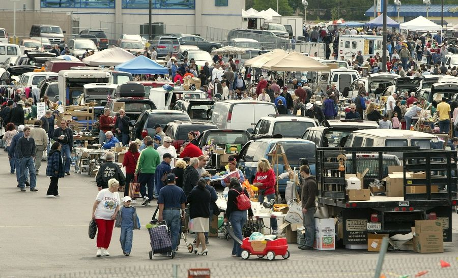 Normally one of the biggest outdoor flea markets in the Chicago area, Wolff's Flea Market in Rosemont hasn't received permission from state officials to reopen. Its operators argue the market is being misclassified as a festival.