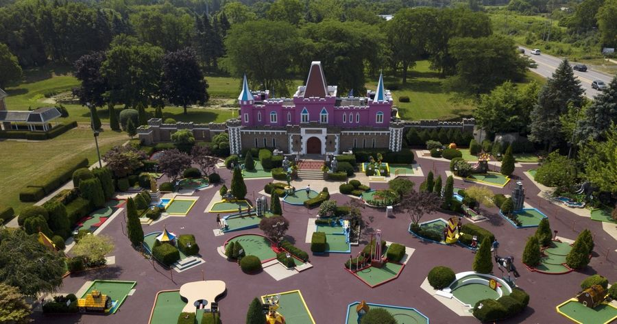 Mini golf at Par-King Skill Course in Lincolnshire is now back and ready to welcome mini golfers.