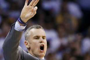 Oklahoma City Thunder head coach Billy Donovan, and now the new head coach of the Chicago Bulls, makes a call against the Golden State Warriors during the second half in Game 4 of the NBA basketball Western Conference finals in Oklahoma City, Tuesday, May 24, 2016. (AP Photo/Sue Ogrocki)