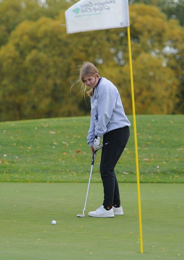 Margaret Lennon of Rolling Meadows putts on the tenth hole at the girls golf sectional at Arlington Lakes Golf Club in Arlington Heights on Tuesday.
