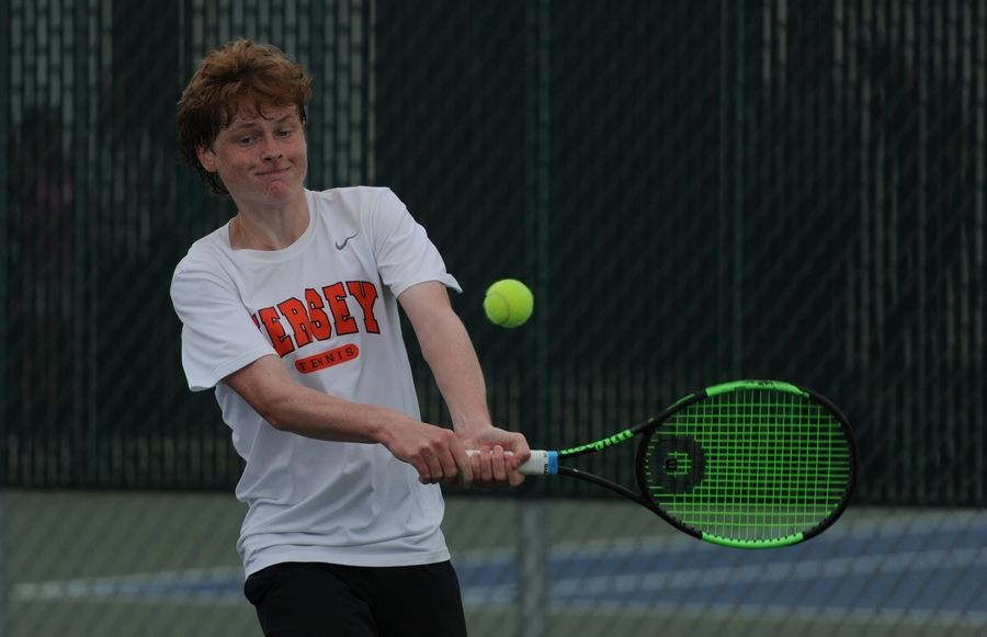 Hersey's Max Sheldon returns a serve from Hinsdale Central's Robert Daniel Schmelka during the Class 2A state singles championship match in 2019.