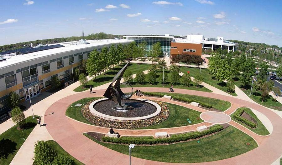 This spring, the College of DuPage will offer over 3,400 courses in a range of class formats, including virtual class meetings, online instruction and hybrid.