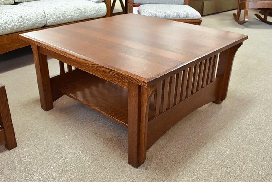 Pioneer occasional table set