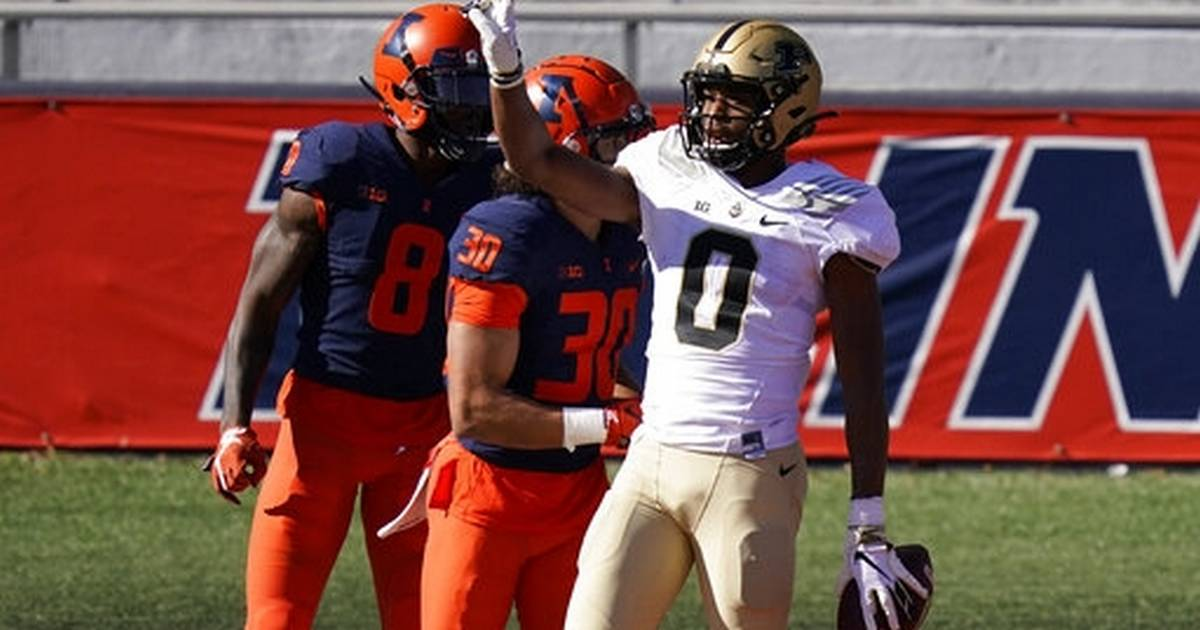 Purdue beats quarterback-depleted Illinois 31-24