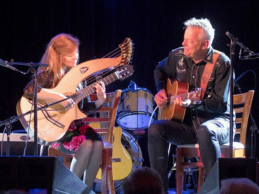 Guitarist Tommy Emmanuel will be joining harp-guitarist Muriel Anderson at her 29th annual concert on Saturday, Nov. 28, livestreaming from Nashville.