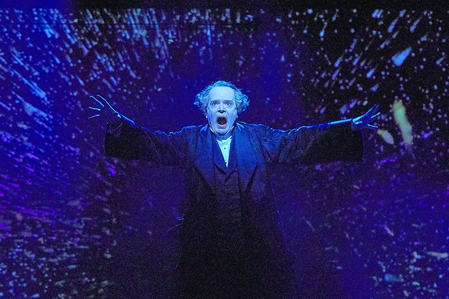 Jefferson Mays plays 50 characters in one-man streaming version of 'A Christmas Carol'