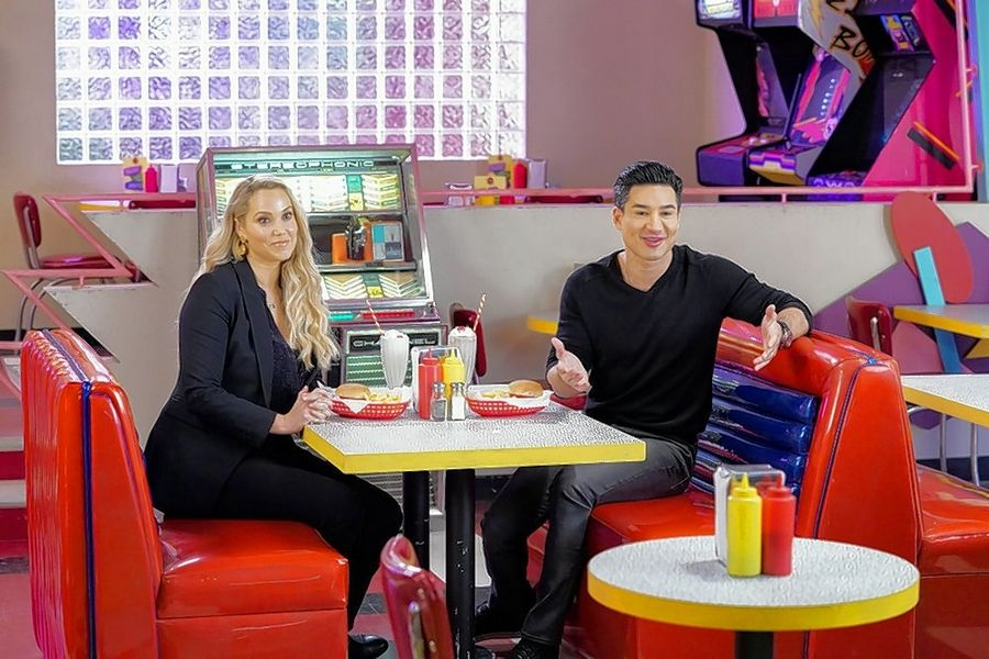 "Original stars Elizabeth Berkley Lauren and Mario Lopez return to Bayside High for Peacock's new version of ""Saved by the Bell."""