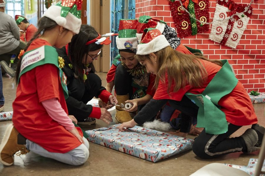"""Dana Nachman's """"Dear Santa"""" documentary focuses on letters to St. Nick and volunteer """"elves"""" who try to fulfill the wishes."""