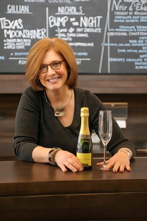 Cheryl Rich Heisler of Glencoe is the founder of Mixed metaPours, a mixology business that creates original cocktails for special events that's growing its national and international clientele as virtual events rise in popularity during the pandemic.