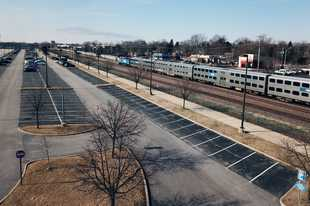 One built-in advantage to Arlington International Racecourse's location is its own Metra station, experts say, along with proximity to major roads and expressways.