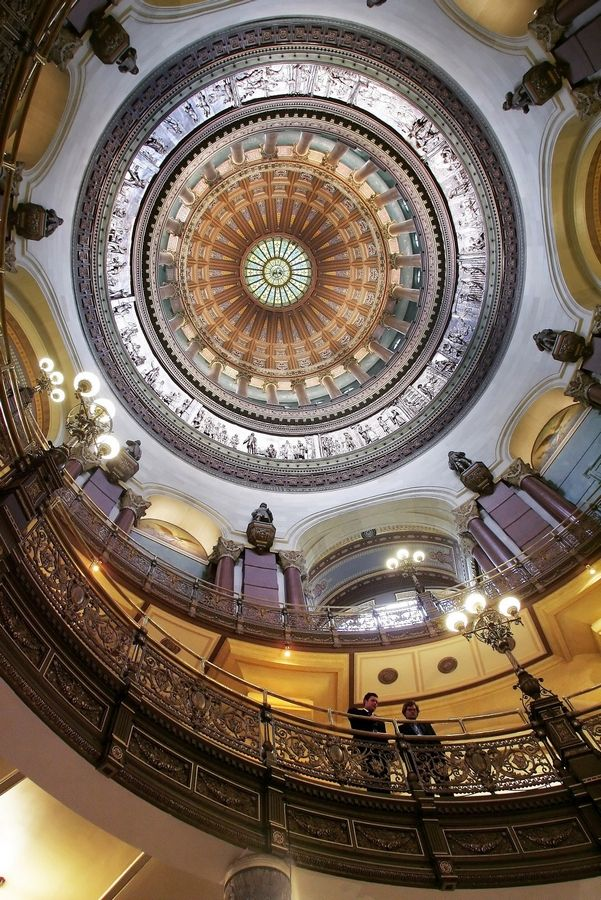 A budget battle over school funding is shaping up at the Illinois Capitol in Springfield with a month to go before the legislature's scheduled adjournment.