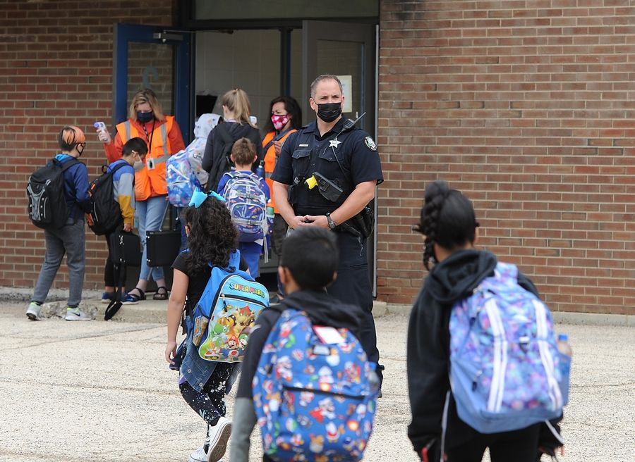 A heavy Palatine police presence was at Lincoln Elementary School in Palatine Monday morning after a threat was made to the school. The threat proved to be unfounded, police said.