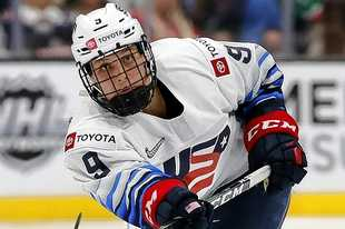 Megan Bozek of Team USA in the 2019-2020 Rivalry Series. The series is comprised of games between the national teams of USA Hockey and Hockey Canada.
