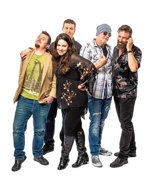 On Friday, September 10th, the opener Jagged Little Pill will pay homage to Alanis Morissette on the closing weekend of the Wheaton Park District's Summer Entertainment Series.