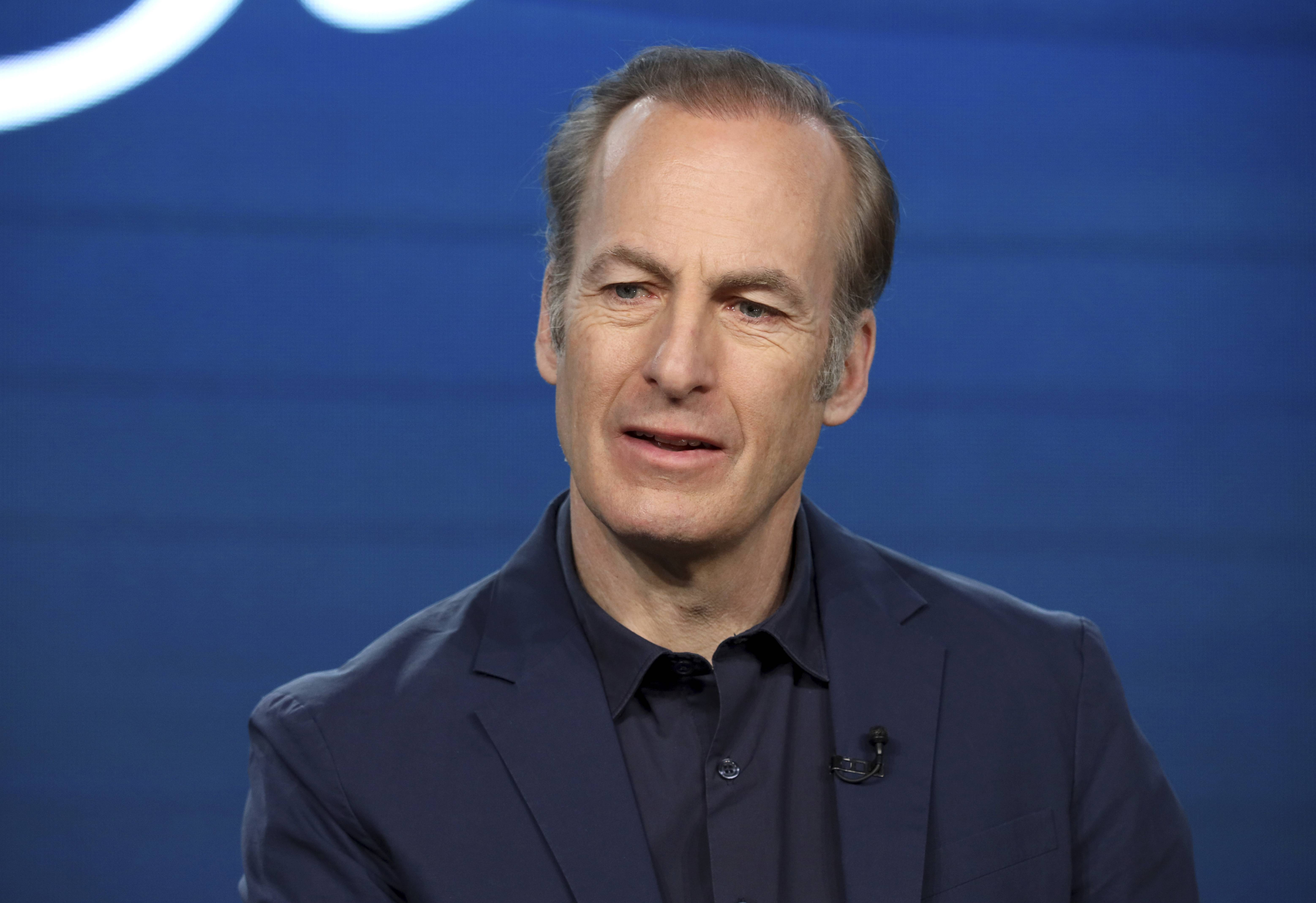 Naperville's Bob Odenkirk tweets that he had 'small heart attack' with no surgery needed