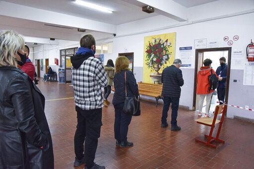 Center-right parties lead Kosovo's municipal vote
