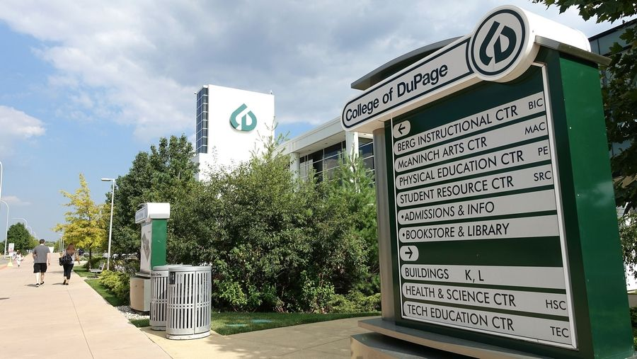 College of DuPage's full-time faculty members have been working without a contract since a multiyear pact expired on Aug. 14. Meanwhile, negotiations that started in March have gone slowly.