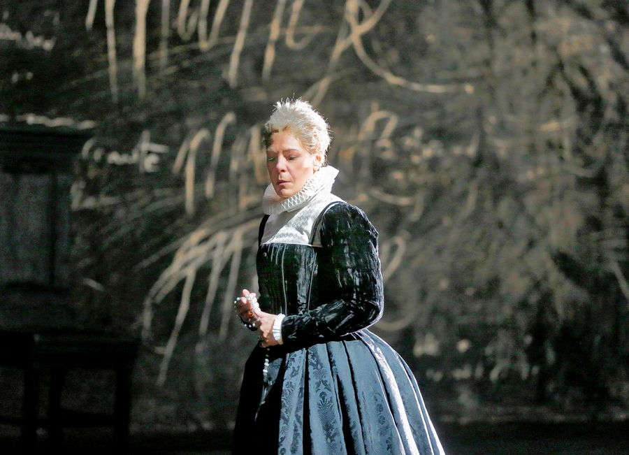"Former St. Charles resident Sondra Radvanovsky starred as Mary, Queen of Scots in Donizetti's ""Maria Stuarda"" at The Metropolitan Opera in New York in 2016. She stars in a special ""The Three Queens"" concert at the Lyric Opera of Chicago on Dec. 1, 4 and 7."