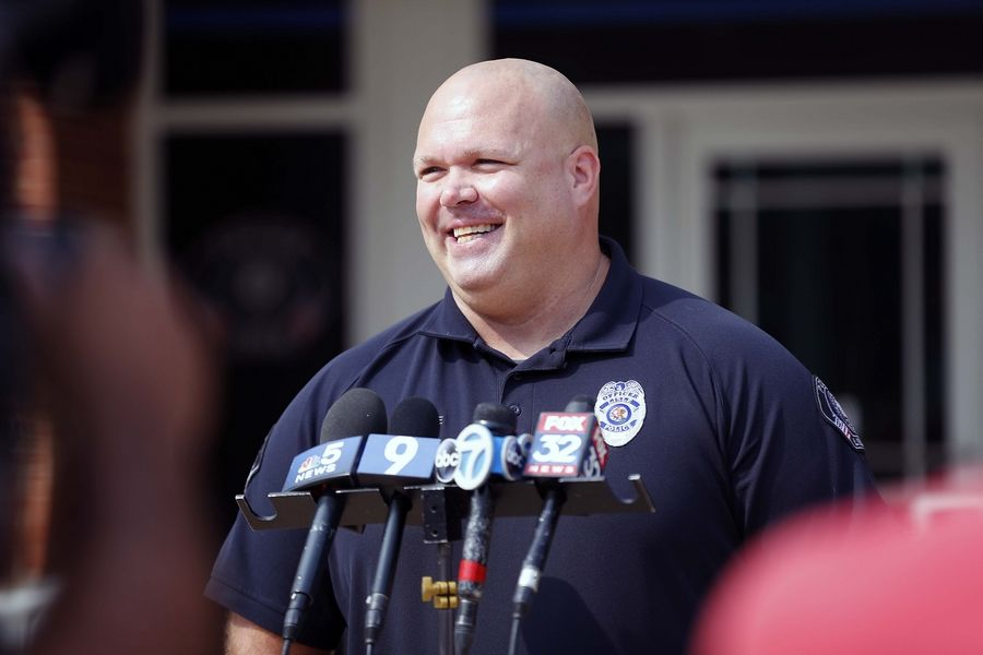 Lisle police officer Bill Wise talks about what happened Tuesday night when he rescued a 14-year-old boy from a burning townhouse on the 2700 block of Wayfaring Lane in Lisle.